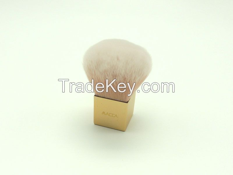 Short Handle Makeup Brush Works Great with Mineral Foundation