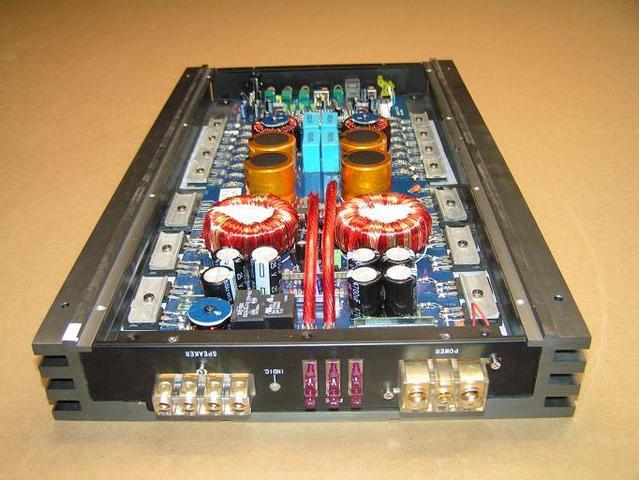 Monoblock high power Class D amplifier