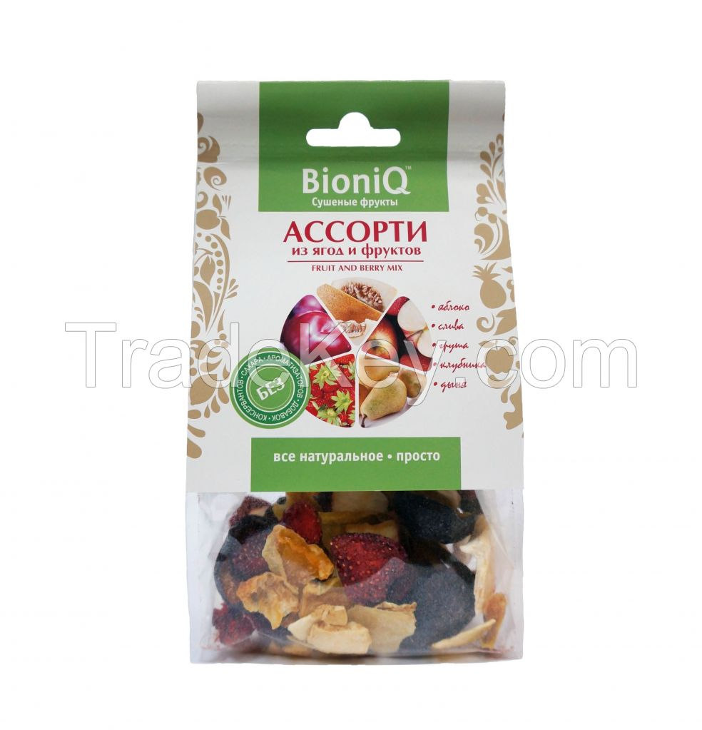 Assorted dried fruits and berries BioniQ