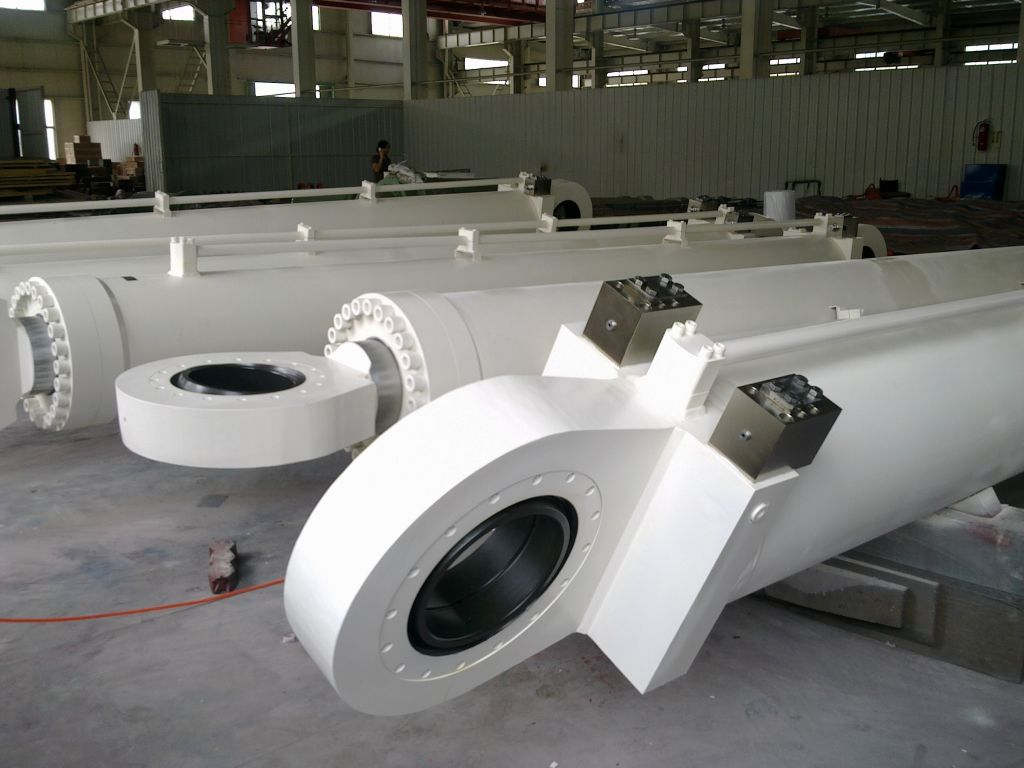 loader and excavator hydraulic cylinder