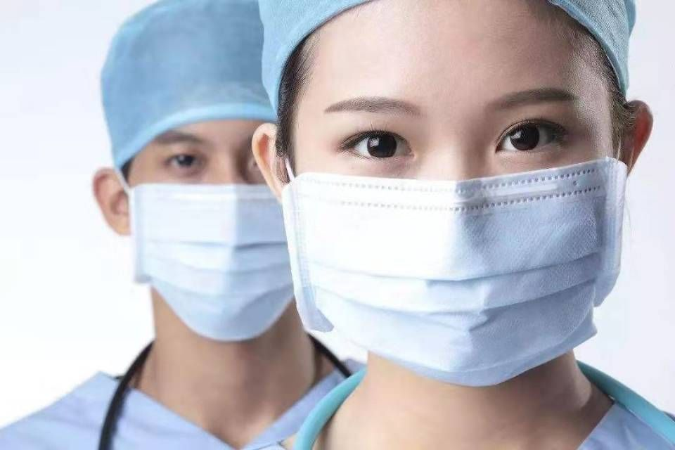 Surgical mask disposable earloop 3 plys