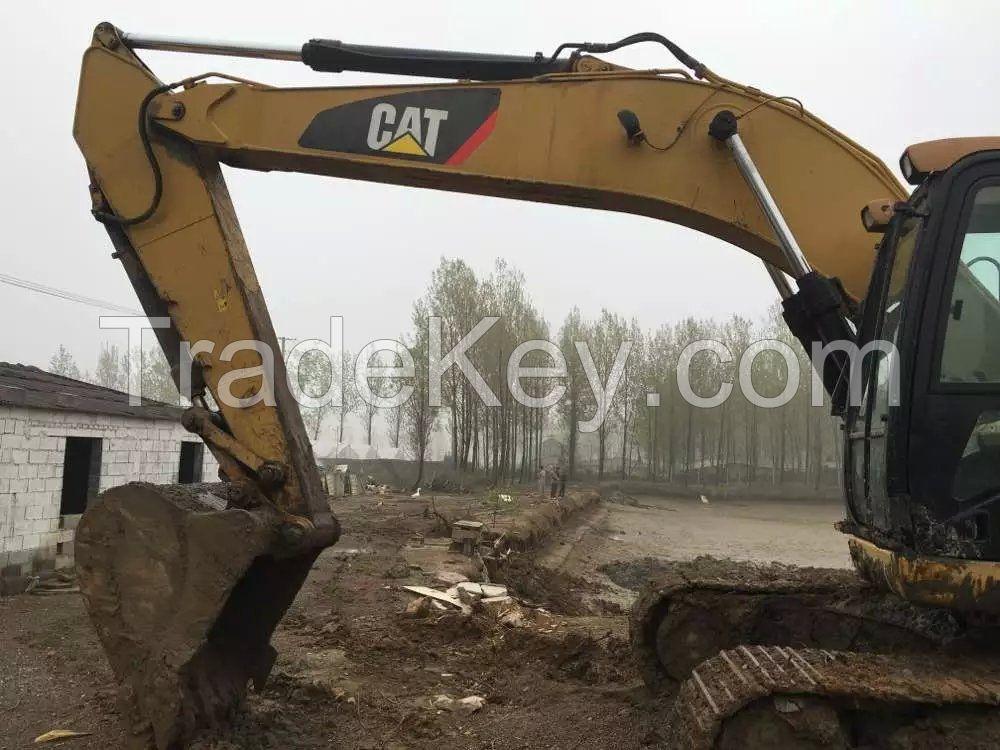 CAT323D