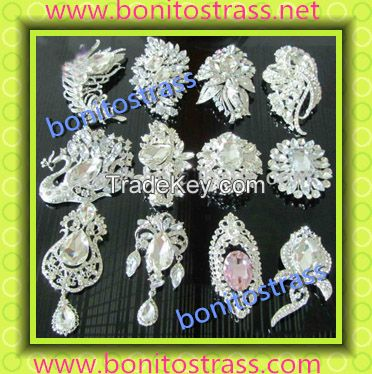 Factory Supply Wholesale Lucky Crystal Rhinestone Pin Brooch Strass Brooch for Lady