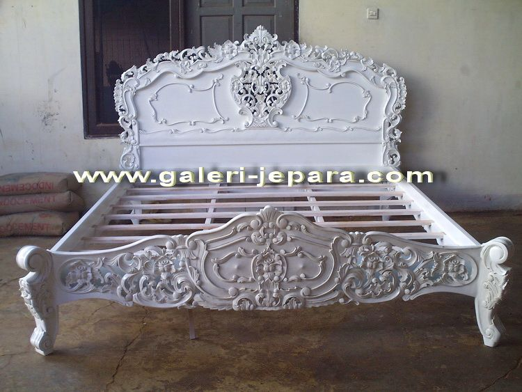 Antique Rococo Bedroom Handmade from Solid Mahogany Wood from Furniture Manufacturer Indonesia