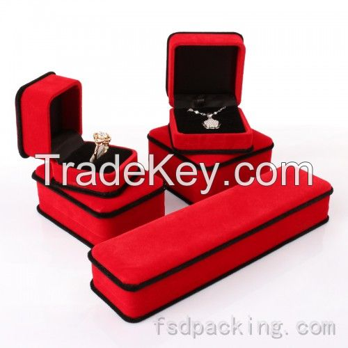Jewellery Boxes in All Types - Velvet and Leather