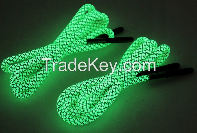 Glow in the Dark Paracord Shoelaces with fire starter