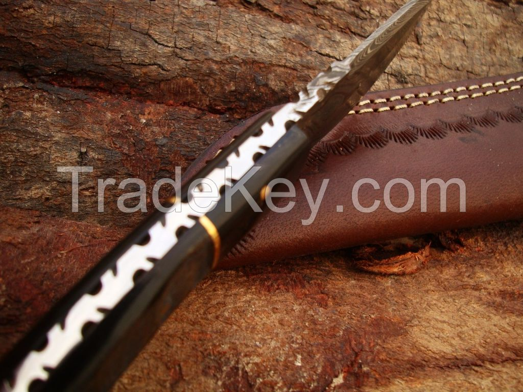 Custome made damascus steel skiner knife with leather sheath by R.T. Industry