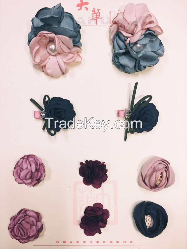 flower brooches with a pearl