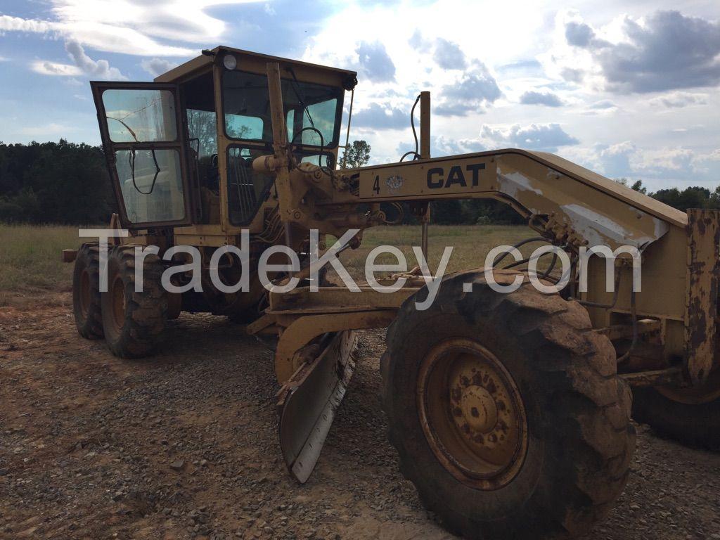 CAT 12G Motor Grader W/ rear ripper