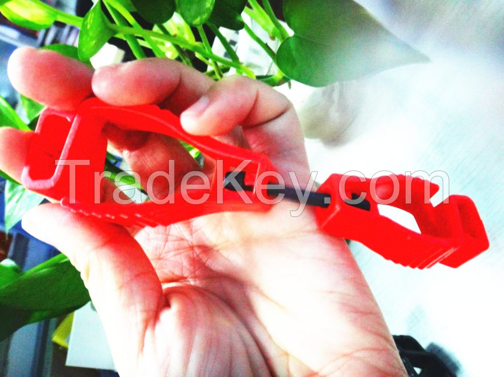 High quality plastic glove clip glove holder glove guard different colors and models are available
