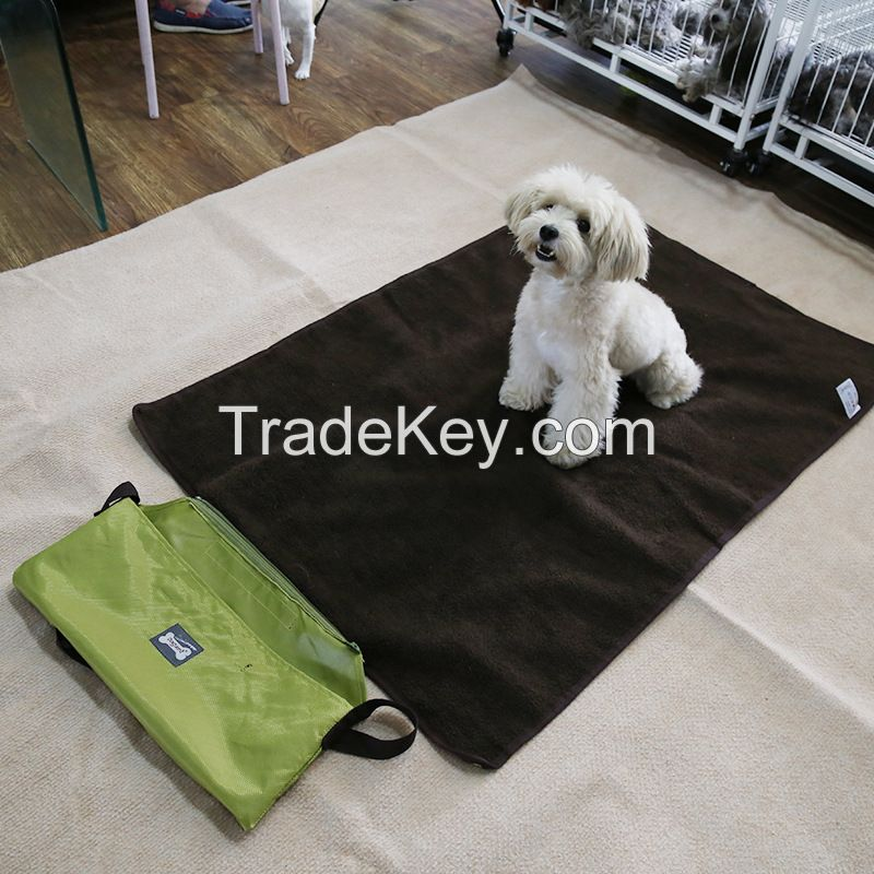 Hot sale outdoor portable roll in pet blanket with Bag,travel dog mat blanket