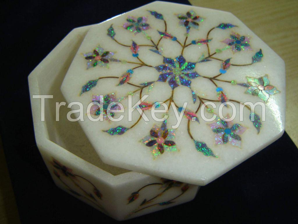 Marble handicrafts in Dubai