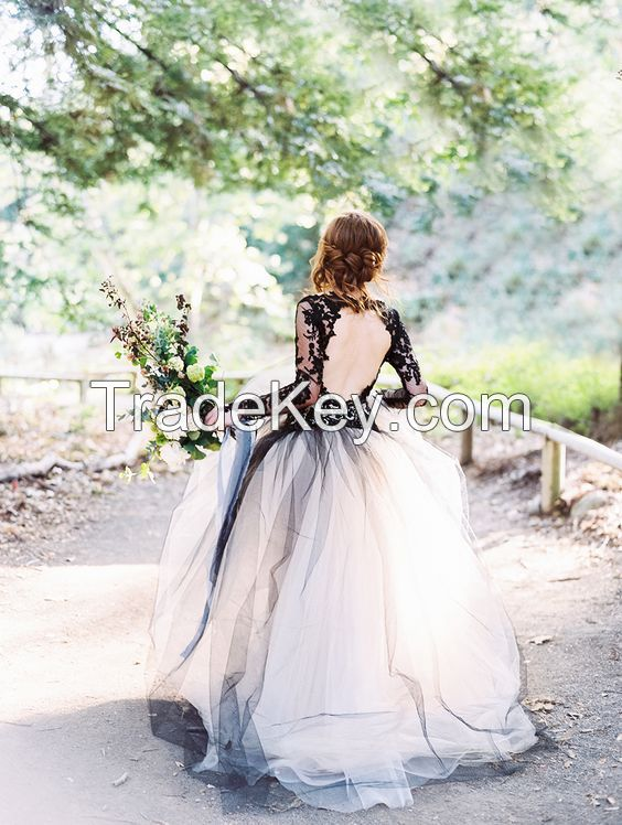 2017 Fashion A-Line Wedding Dresses with Black Lace Long Sleeves and Round Backless Court Train Tulle Skirt Bride Gowns