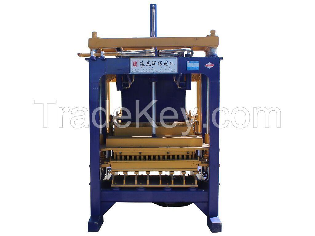 Tiger baking-free brick machine
