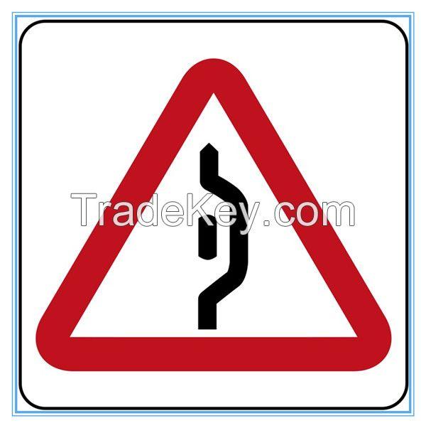 Brunei road traffic warning sign, Brunei road traffic warning signal