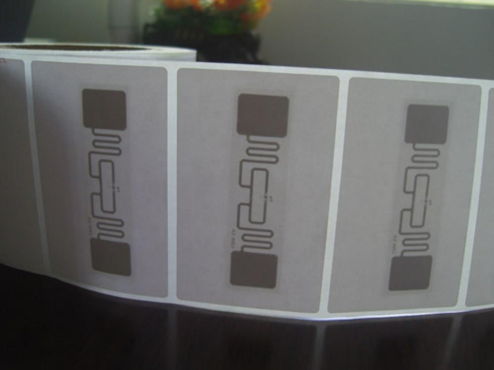 860-960MHz Long Range Passive RFID Sticker Tag for Logistics Tracking