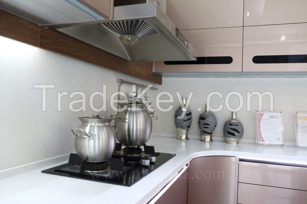 Classic Solid Wood Kitchen Cabinets with High Quality