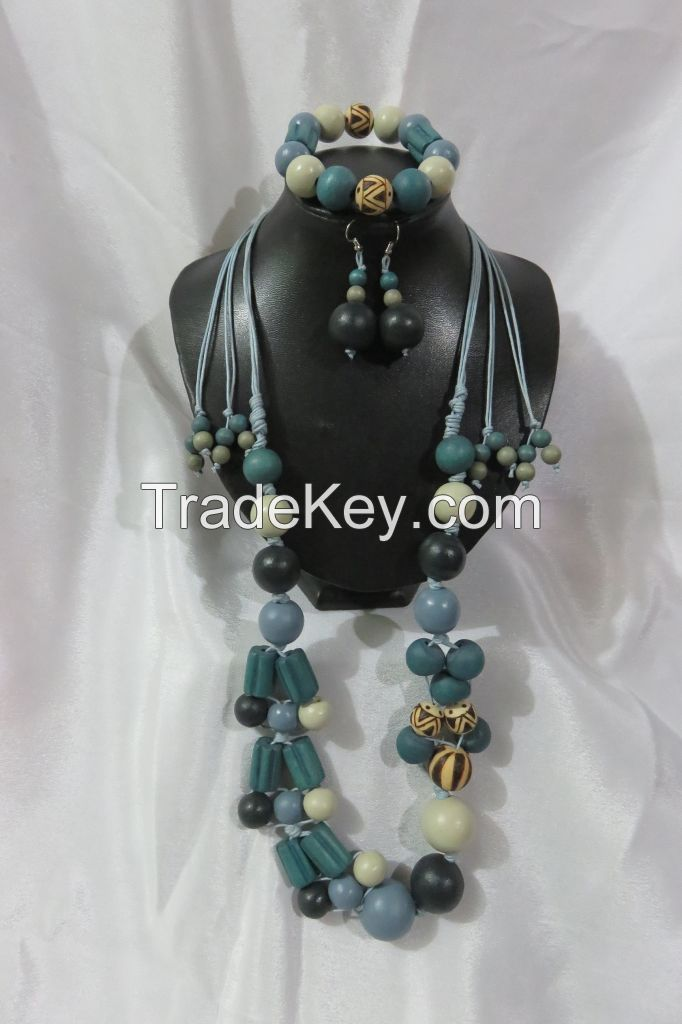 LCS-170052=A Set of 43.5 inches Adjustable Necklace, 7 inches Garter Bracelet and Dangle Hook Earrings