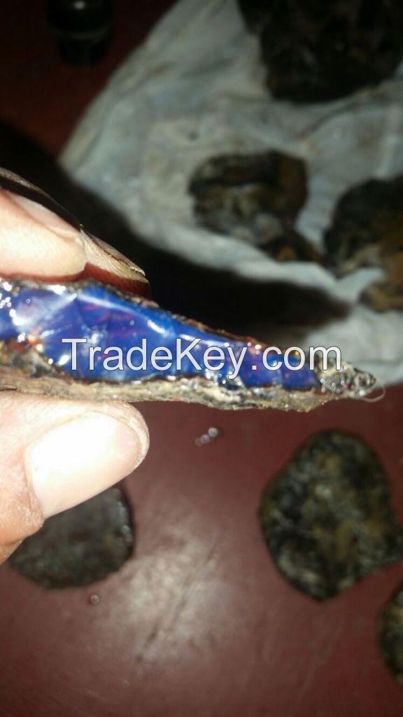 Dominican Amber stones