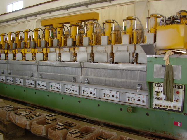 Used stone machines from Italy