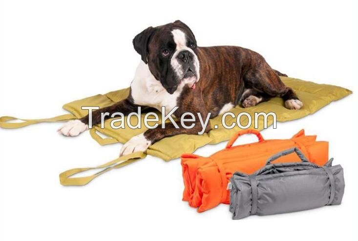 Outdoor foldable traveling pet blanket or pet mat