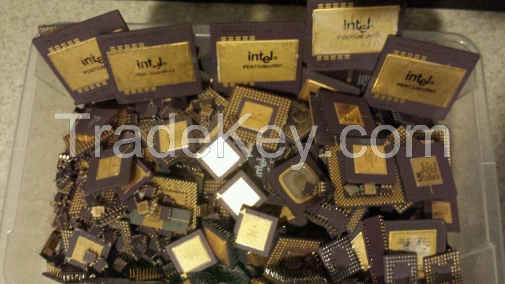 CPU CERAMIC PROCESSOR SCRAPS , RAM SCRAPS, MOTHERBOARD / Intel Pentium Pro Ceramic CPU