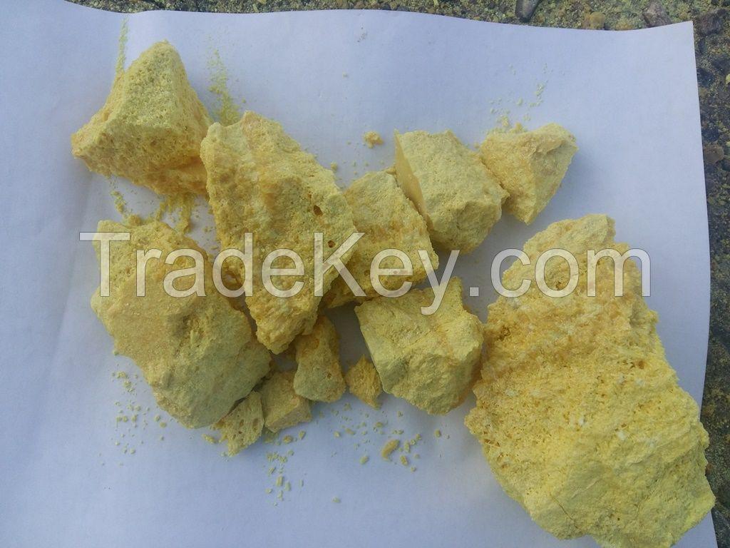Lump and granular sulphur