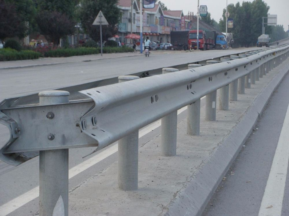 W/M shape automatic highway guardrail roll forming machine