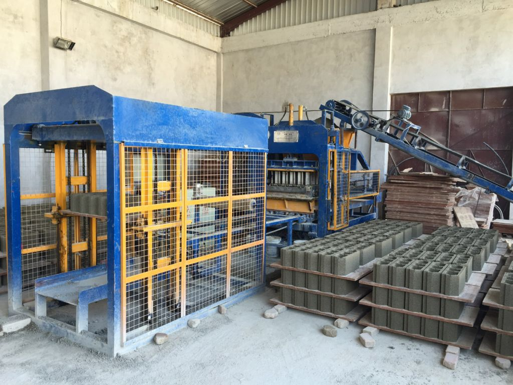 full automatic conrete hollow block making machine on sale