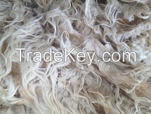 SARDINIAN CARPET GRADE GREASY WHITE WOOL