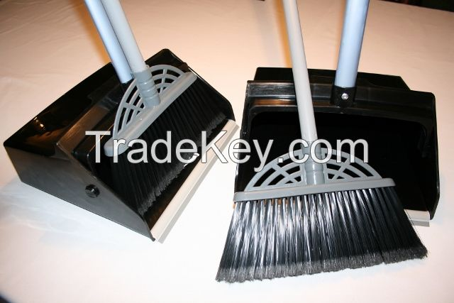 Long handled dustpan and whisk broom set