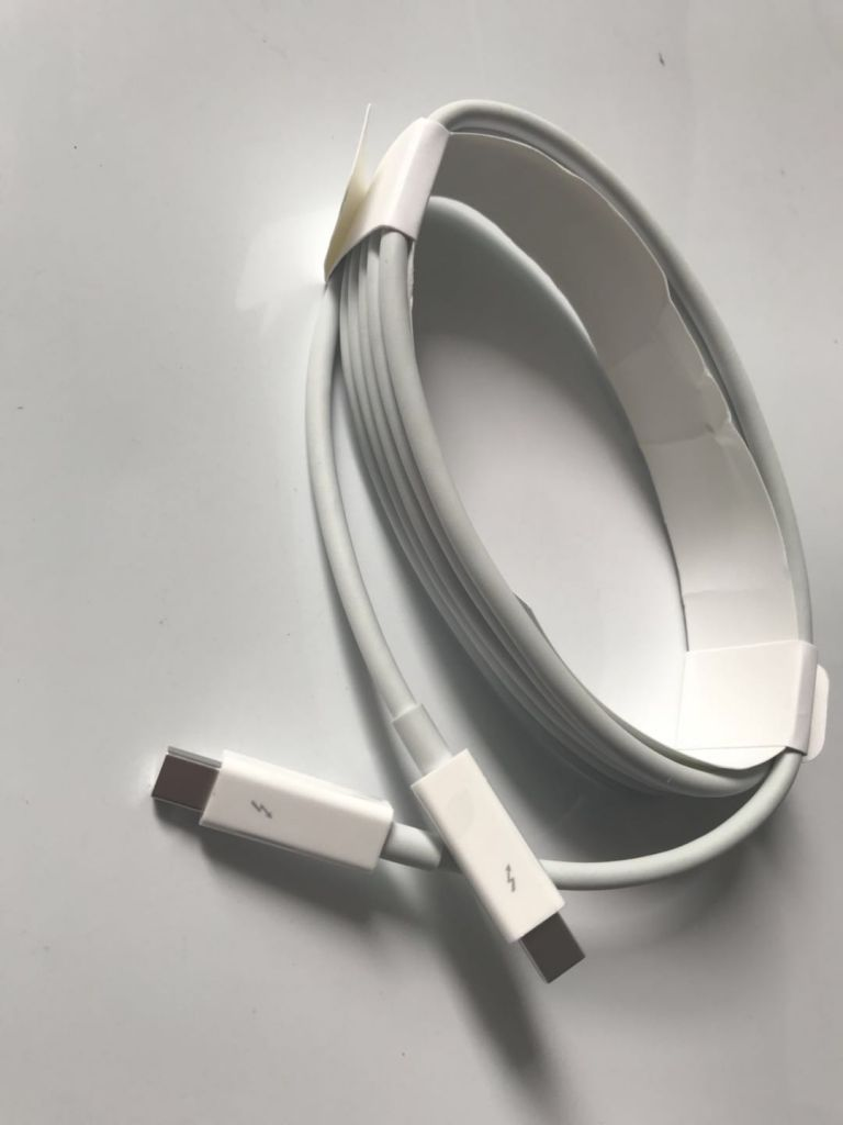 Thunderbolt Cable (2.0 m) - White for apple macbook air for Macbook pro