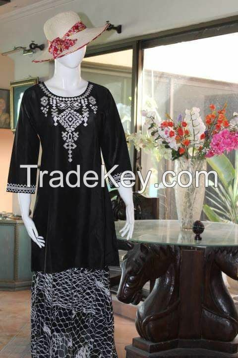Embroidered Casual Top