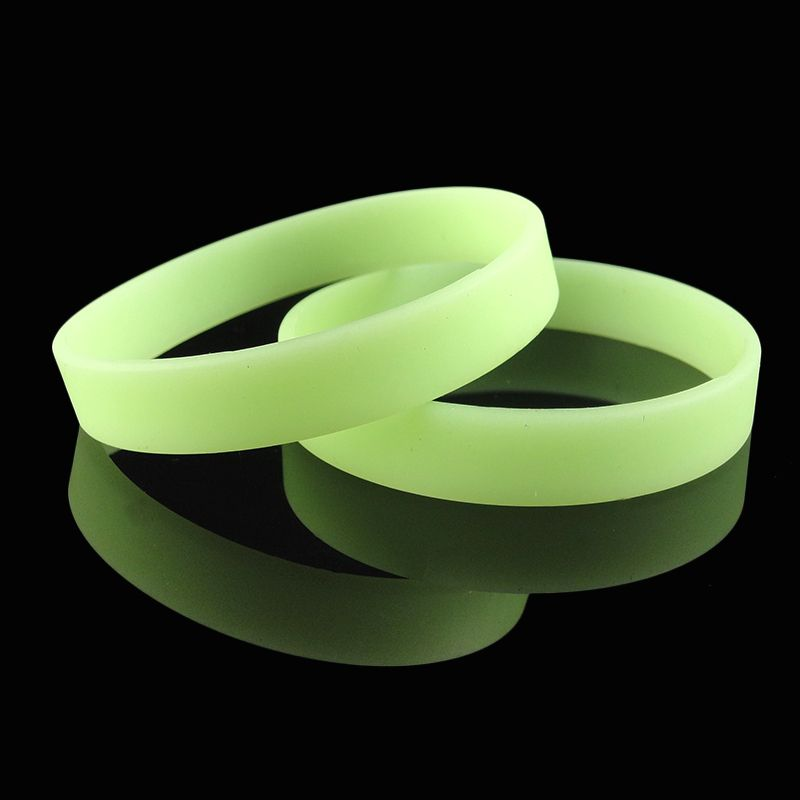 Wholesale cheap price Christmas Party Gift Item Glowing In The Dark Customized Bracelet Wristband