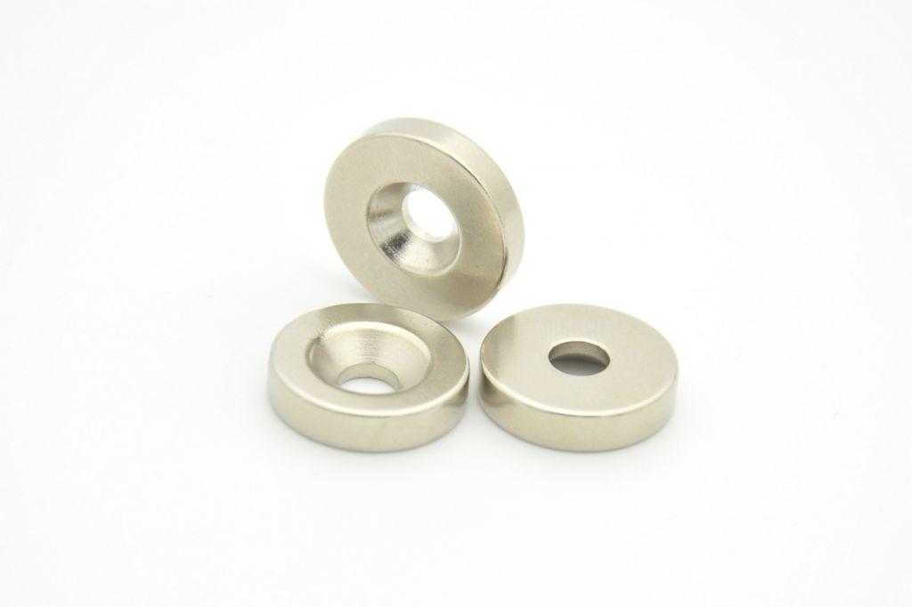 Countersunk sintered neodymium (NdFeB) magnets