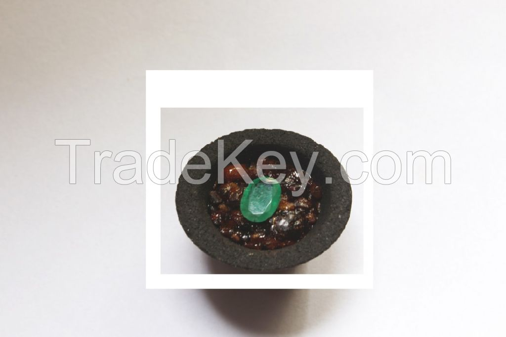 emerald oval stone