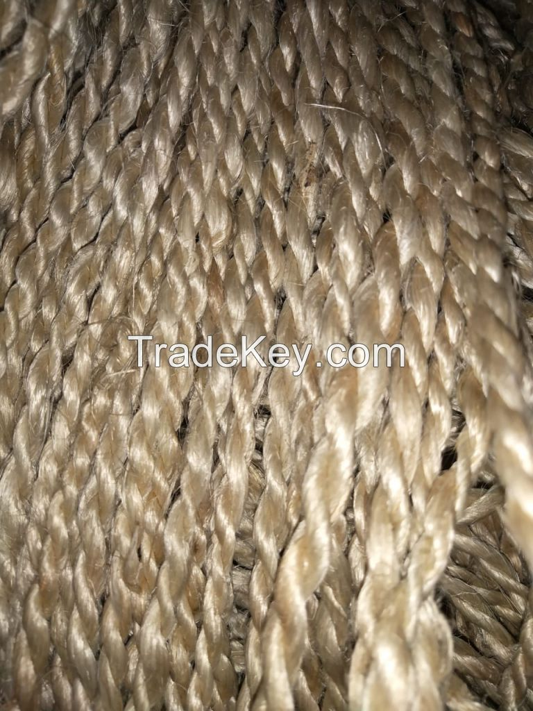 HAND SPUN NATURAL GOLDEN JUTE YARN