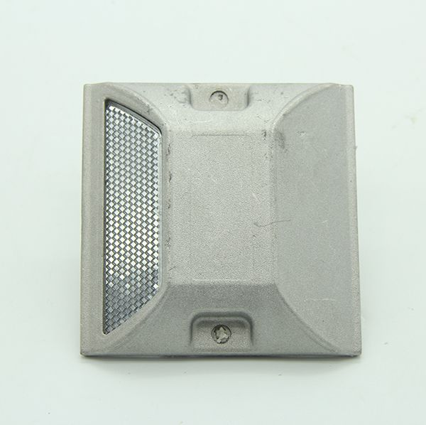 CE Approved IP68 Trending 2019 100x100x20mm size Aluminum reflective road studs