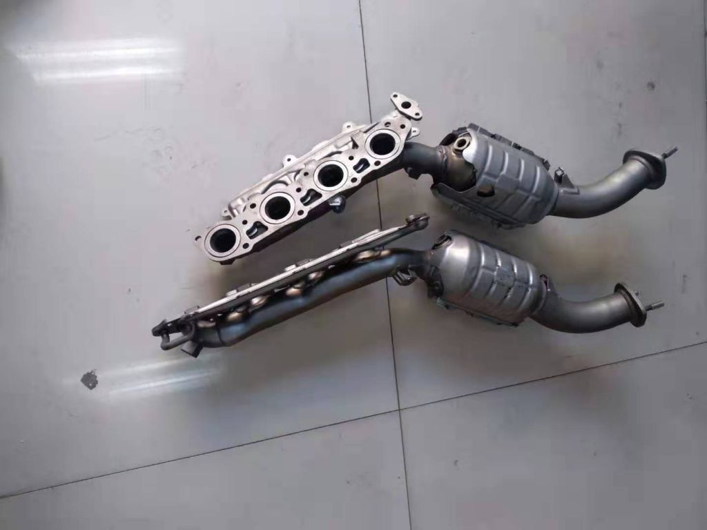 Hot Sale Stainless Steel and Iron Casting Exhaust Pipe for Car