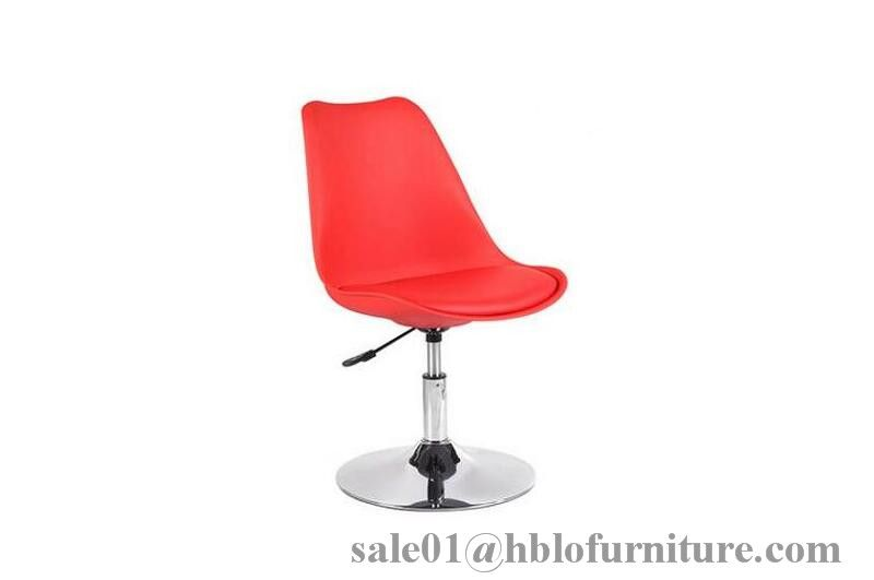 soft cushion plastic chair with wooden legs