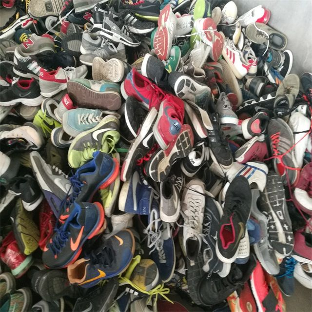 Used clothes bale  price used clothing  wholesale China used shoes  friperie bundle fardos de ropa in low price load container