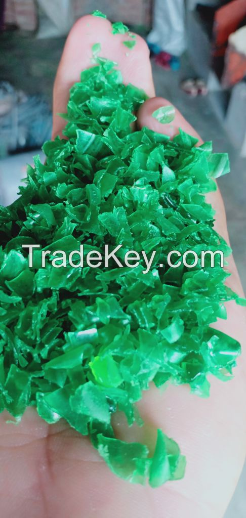 GREEN HOT WASH PET FLAKES