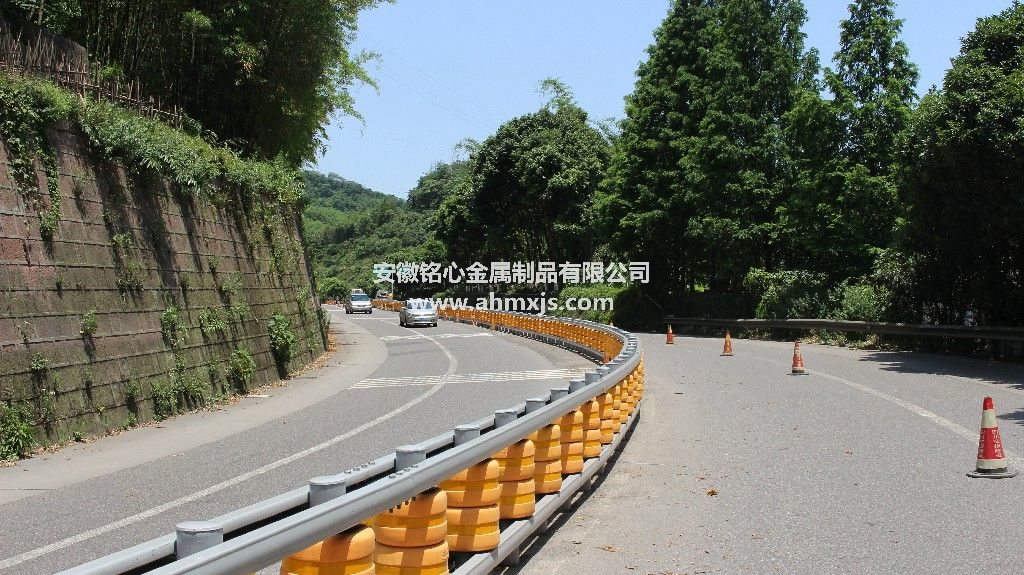 Highway Rotating Barrier Road Rolling Guardrail