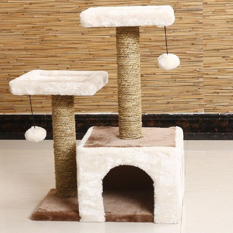 Cat scratcher post playing tree
