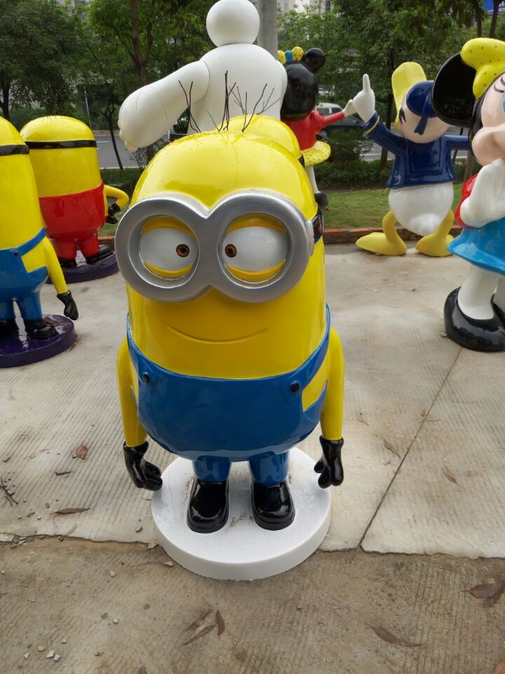 Despicable Me Film and TV Cartoon Character yellow Minions FRP Sculpture