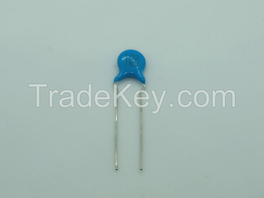High voltage ceramic capacitor