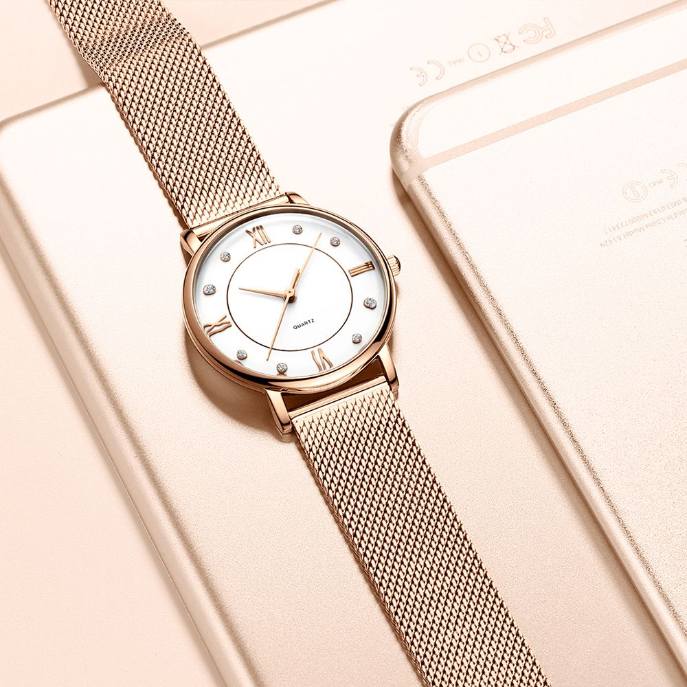 Gold Guartz  5 ATM Water Proof Women Wrist Watch with Mesh Straps