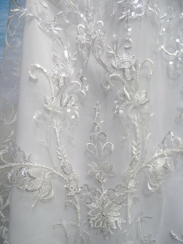 Good quality best price Embroidery lace fabric bridal fabrics for wedding dress from China