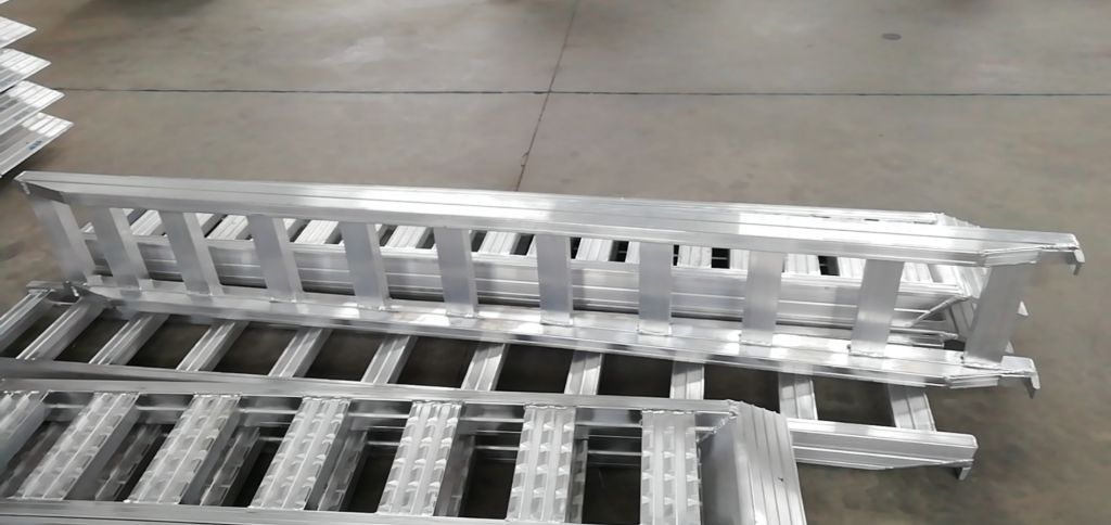 portable loading ramps for forklift