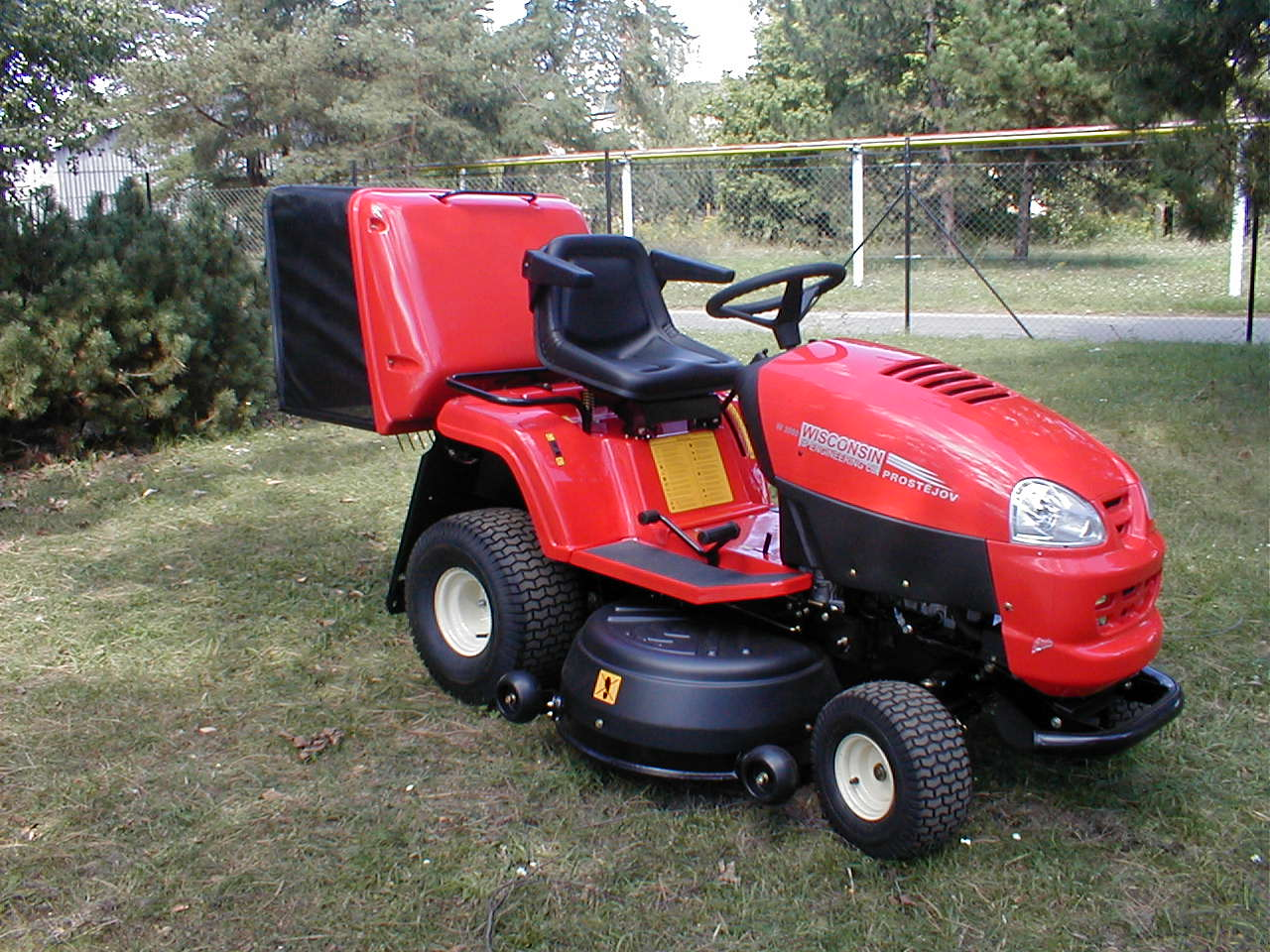 Rear discharge lawn tractor